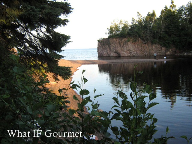 Lake Superior inlet at Tettegouche State Park, MN.